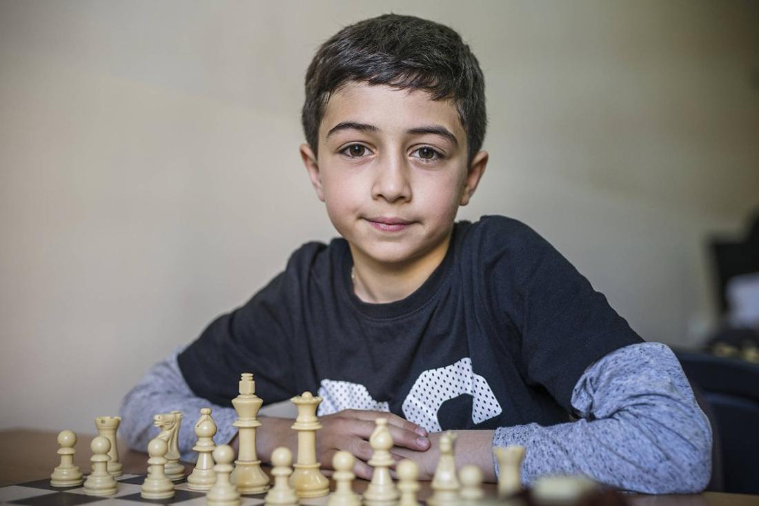 Schachnovelle auf Armenisch von Alexander Rupflin